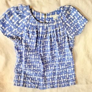 Banana Republic blouse periwinkle and white XS